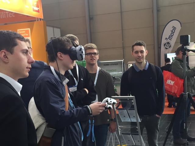 VR Demo Besucher1 klein